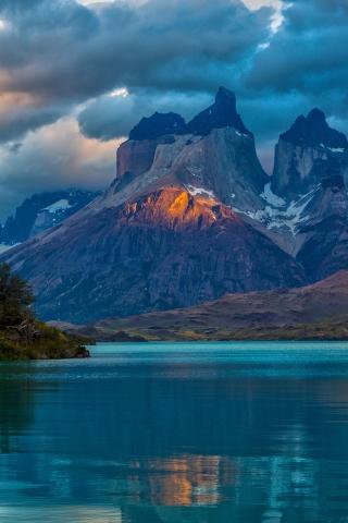アルゼンチンの山 iPhoneの壁紙